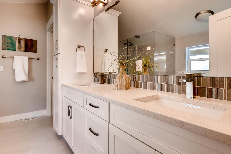 2342 Clarkson St Denver CO-large-016-28-2nd Floor Master Bathroom-1500x1000-72dpi.jpg