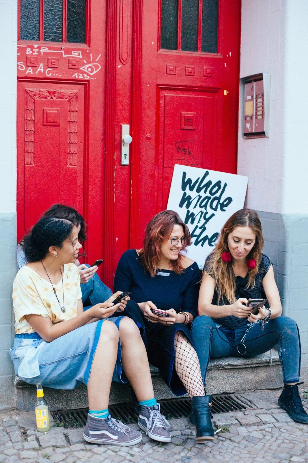 Fashion Revolution Social Media Team at work / ©️Cherie Birkner