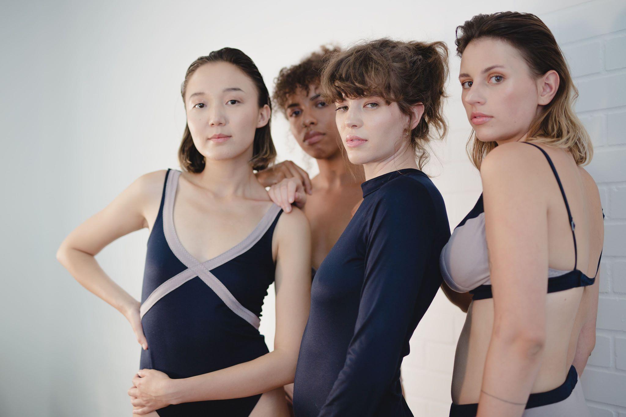 ©️ Frau Rabe  Models: Altyn (@danslasteppe), Sarah (@twoxchromosomed), Lila(@overoceans) and Coco (@cocoelane)