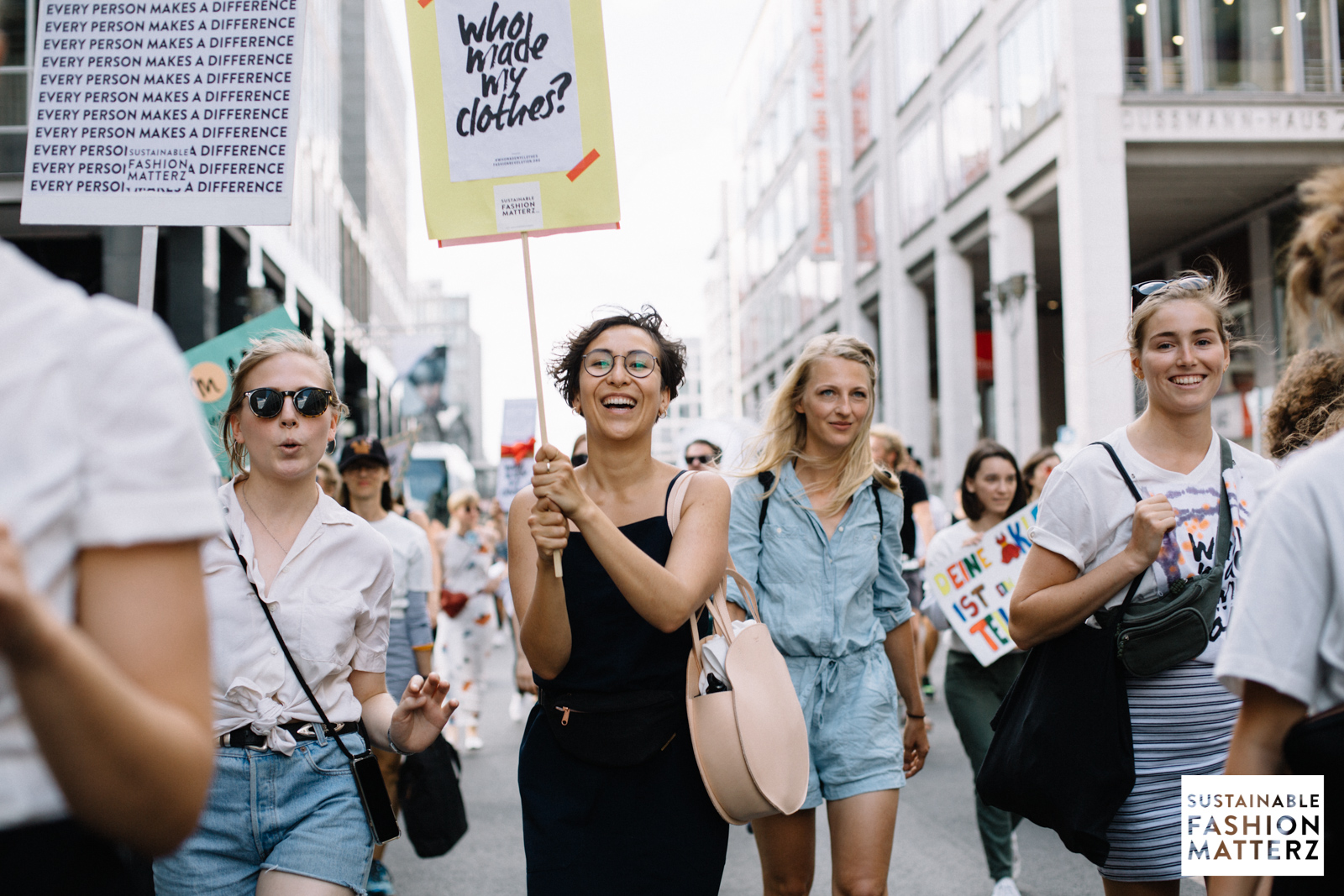 fashion-revolution-berlin-2019-49.jpg