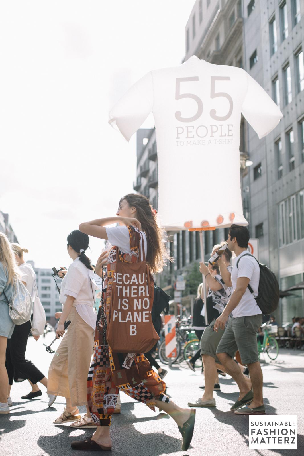 fashion-revolution-berlin-2019-65.jpg
