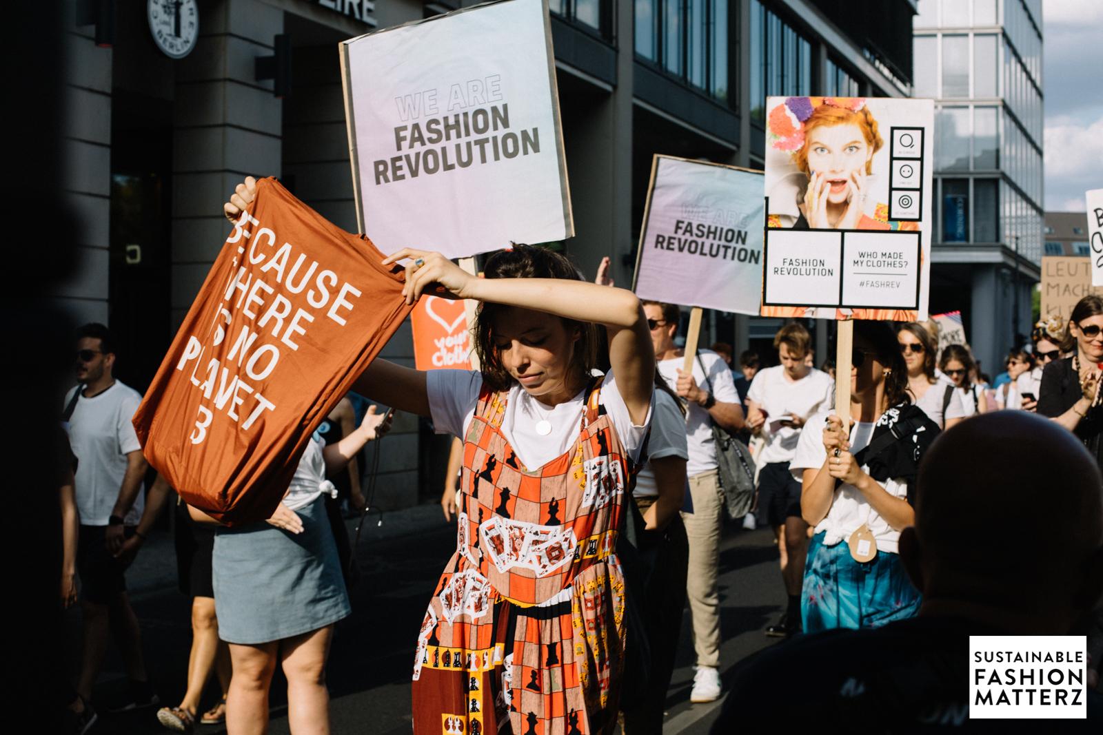 fashion-revolution-berlin-2019-75.jpg