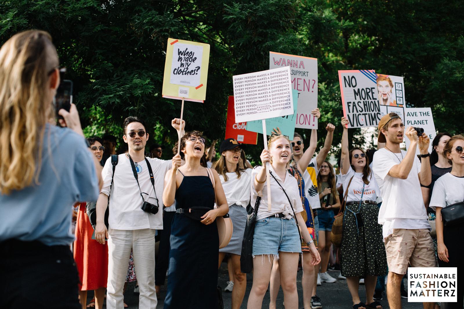 fashion-revolution-berlin-2019-88.jpg