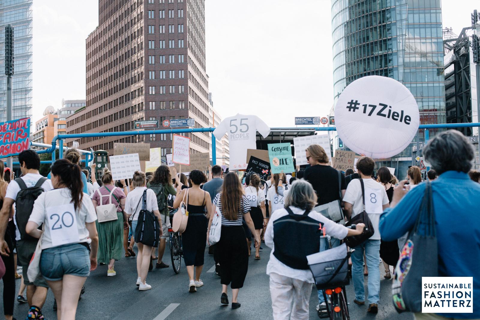 fashion-revolution-berlin-2019-94.jpg
