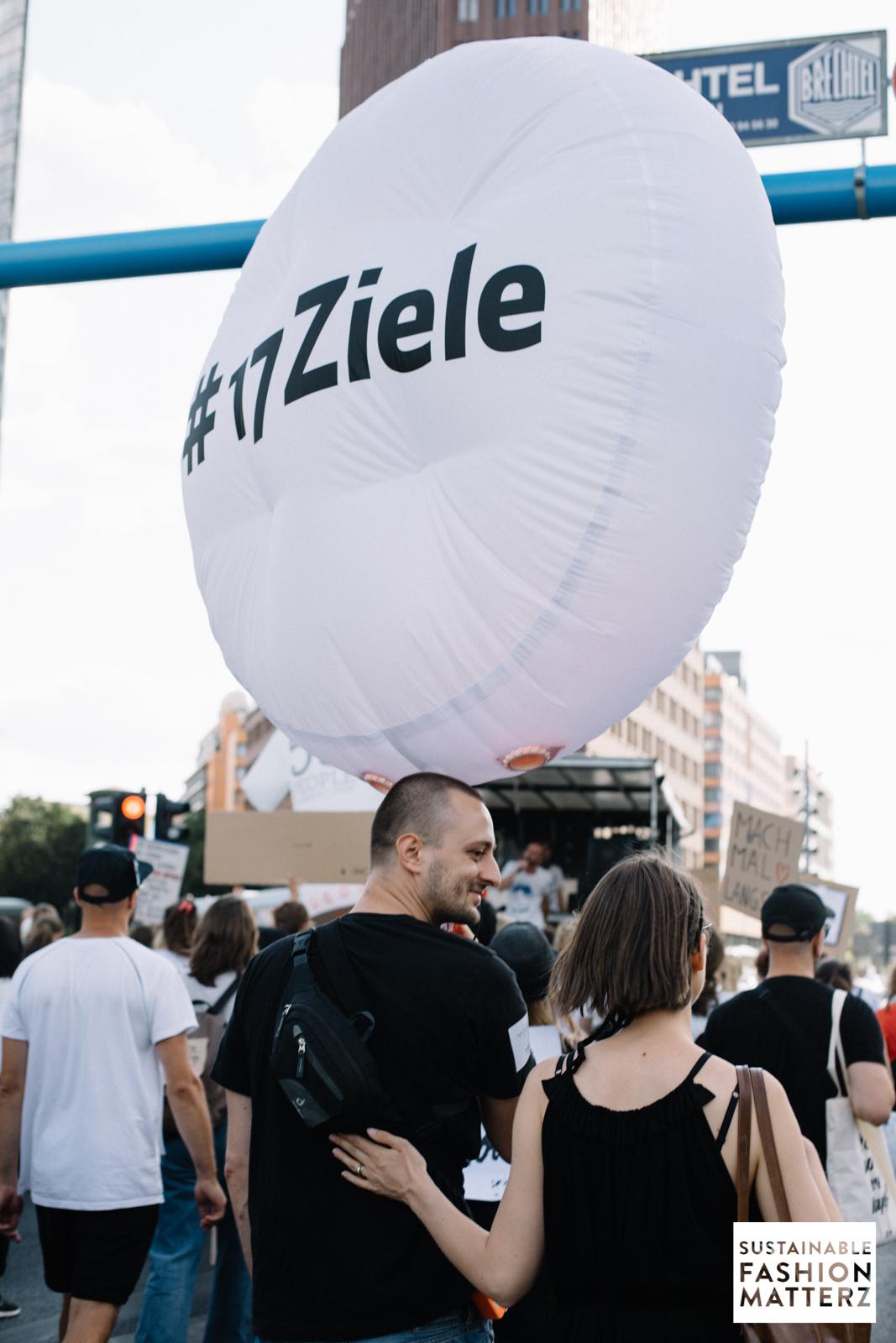 fashion-revolution-berlin-2019-95.jpg