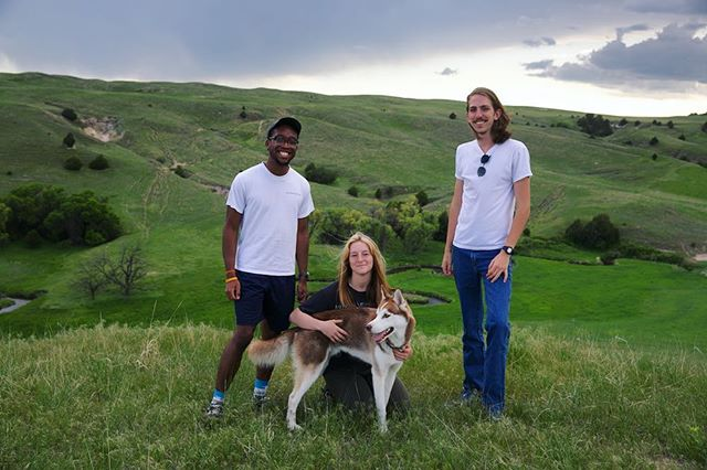 The staff and resident pup out fixing fence on the ranch 🐕 . . . . . . . #ranch #rural #fence #freshairkids #sandhills #sandhillsinstitute #artistresidency #pastoral #bluejeans #jamesdean #puppy #dogumenta #dog #husky #pupper #landscape #interns