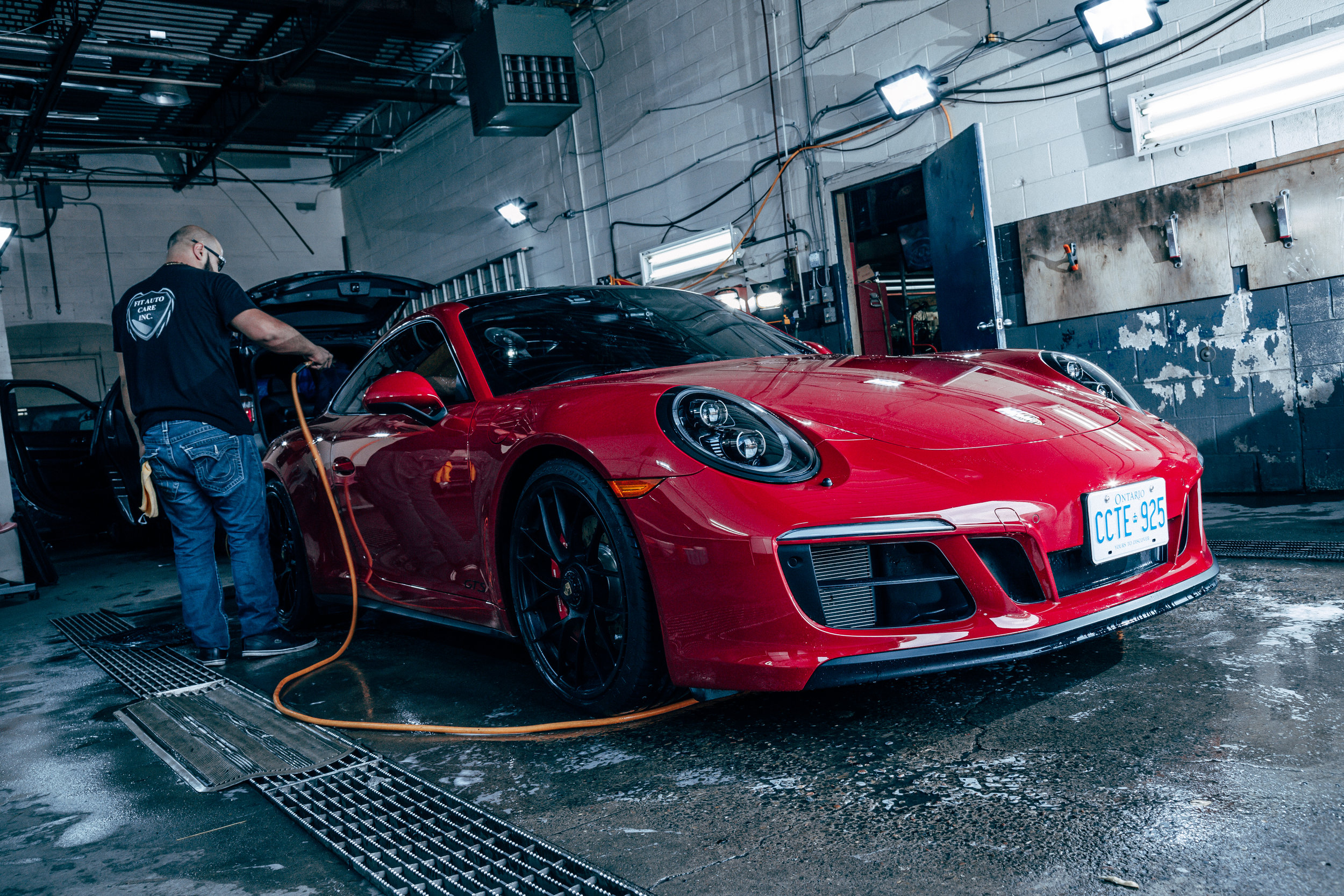 911 being detailed before ceramic coating