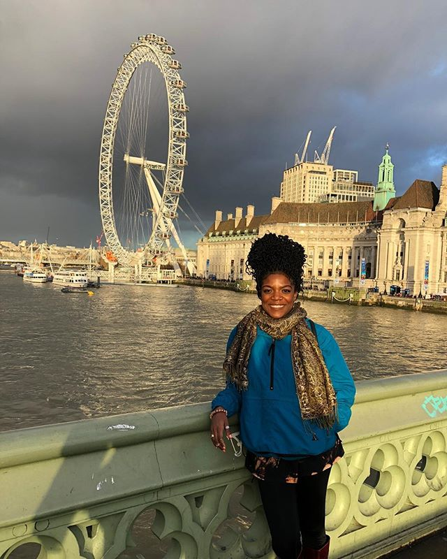 Me momentarily disregarding atrocities committed against my ancestors and the constant urge to imitate the accent for some obligatory touristy pics in London 🇬🇧 • • • • • #whoaskedashley #blackgirlmagic #london #blackgirlstravel