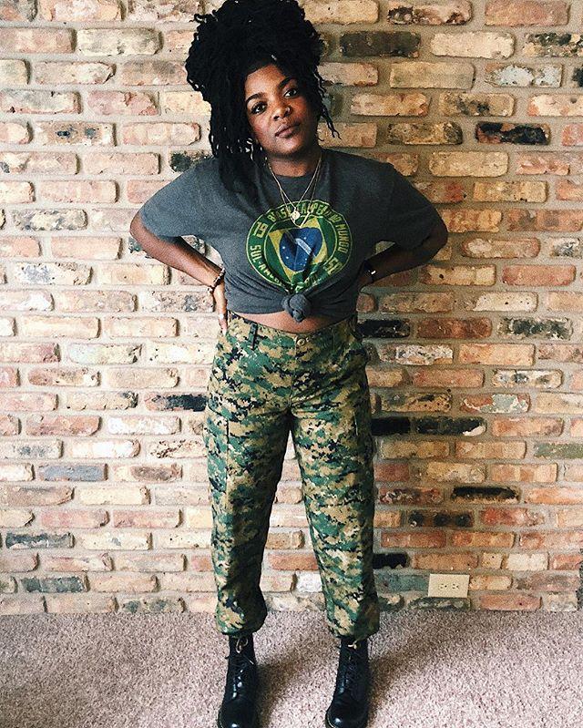 Soldiered my way through this year like... 😓😅✨ • • • • • #whoaskedashley #blackgirlmagic #ootd