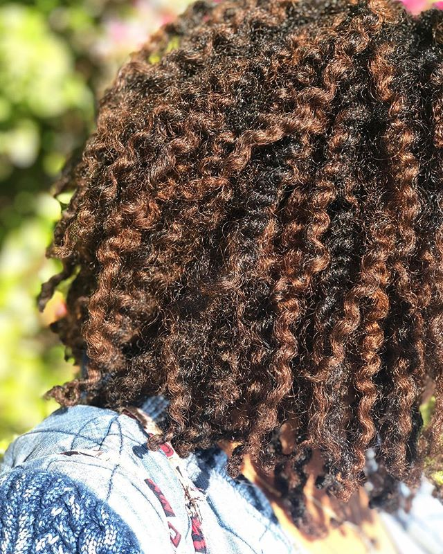 My hair has been through a lot over the past year, from an attempt at starting locs, color, and general neglect. As a stylist, I spend so much time doing hair that I never want to do my own lol. All of that culminated in a huge cut in November to get rid of a lot of damage. It hurt, but this year I made a promise to myself that I will get back to caring for and loving my hair in the way it truly deserves. After wearing a crochet style for the past month or so I washed, blew out, and twisted my hair to find that it's already grown quite a bit, and that it's fuller and happier than ever. I'm thankful for my fro and need to remind myself of the same message I tell my clients. Growing, loving, accepting, and caring for your natural hair is a revolutionary act. Be gentle and don't skimp on the time it requires and deserves. ❤️ • • • • • #whoaskedashley #naturalhairstyles #naturalhair #twistout #blackhair #houstonhairstylist #afro #textureporn
