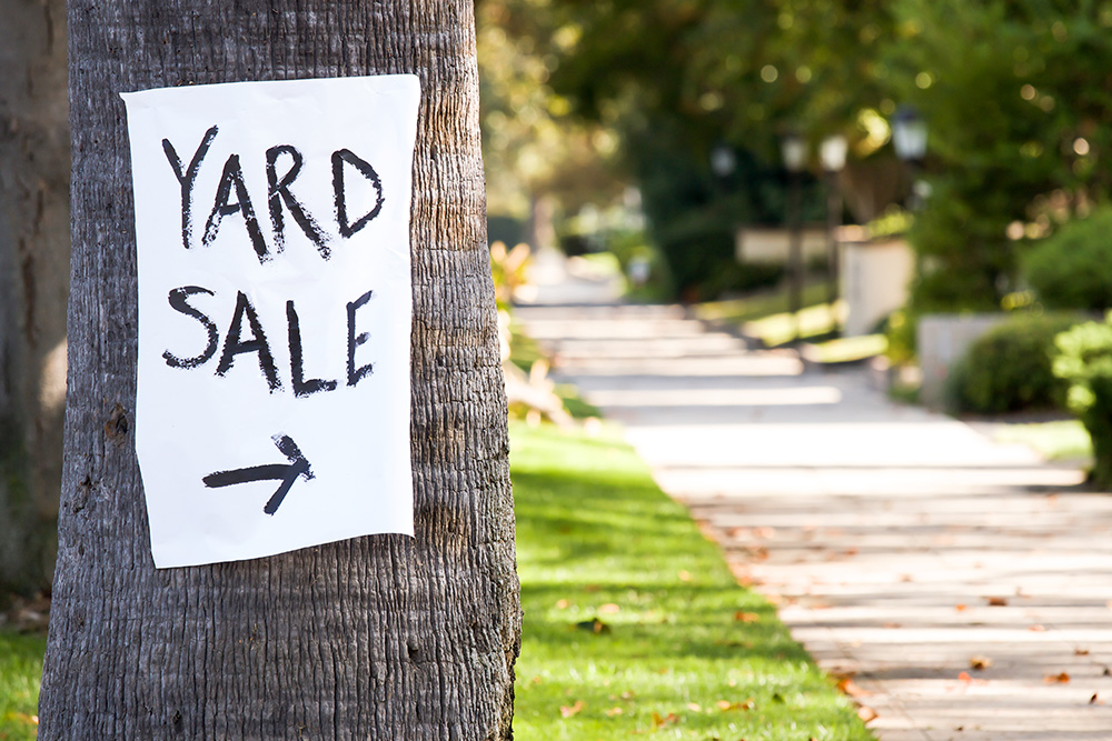 July2015-Trulia-7-Ideas-for-Starting-an-Annual-Neighborhood-Yard-Sale-sign-on-tree.jpg
