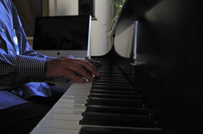 Kelly Piano hand_IMG_3033.jpg