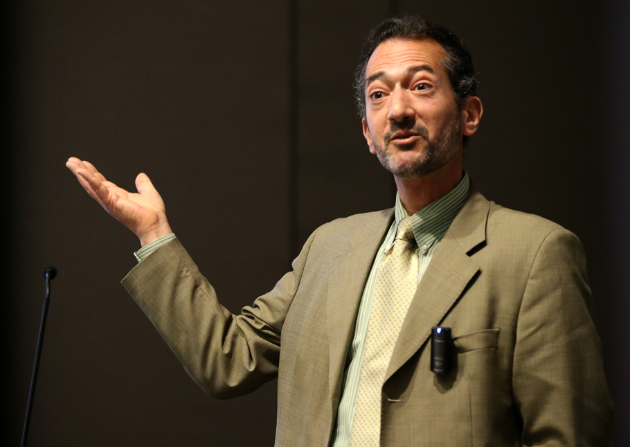 """Jay S. Kaufman  holds a PhD in epidemiologic science from University of Michigan (1995). He was previously a professor at UNC School of Public Health in Chapel Hill (1999-2008) and is currently Professor in the Department of Epidemiology, Biostatistics and Occupational Health at McGill University (2009-present). His work focuses on social epidemiology, analytic methodology, causal inference for various health outcomes. He is an editor at """"Epidemiology"""" and an associate editor at """"American Journal of Epidemiology"""". With J. Michael Oakes he is the co-editor of the textbook """"Methods in Social Epidemiology"""" (2nd Edition, 2017)."""
