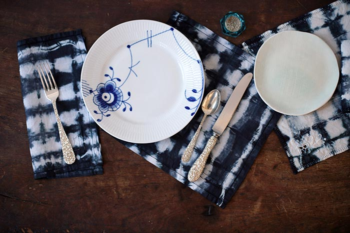 Shibori-Napkins-Table-Setting-05.jpg