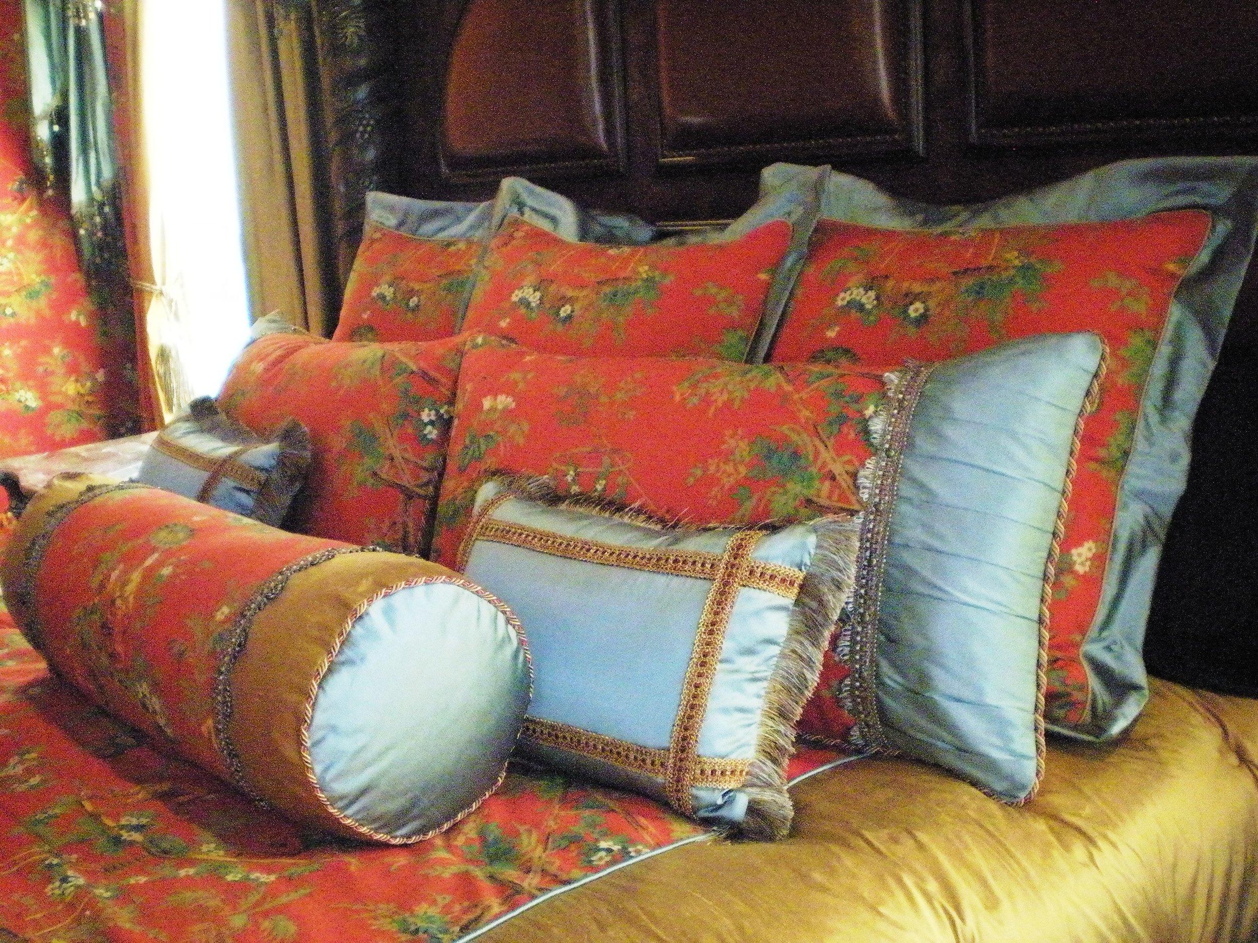alejandra-canales-interior-designer-luxury-beding custom-made mcallen-texas (2).JPG