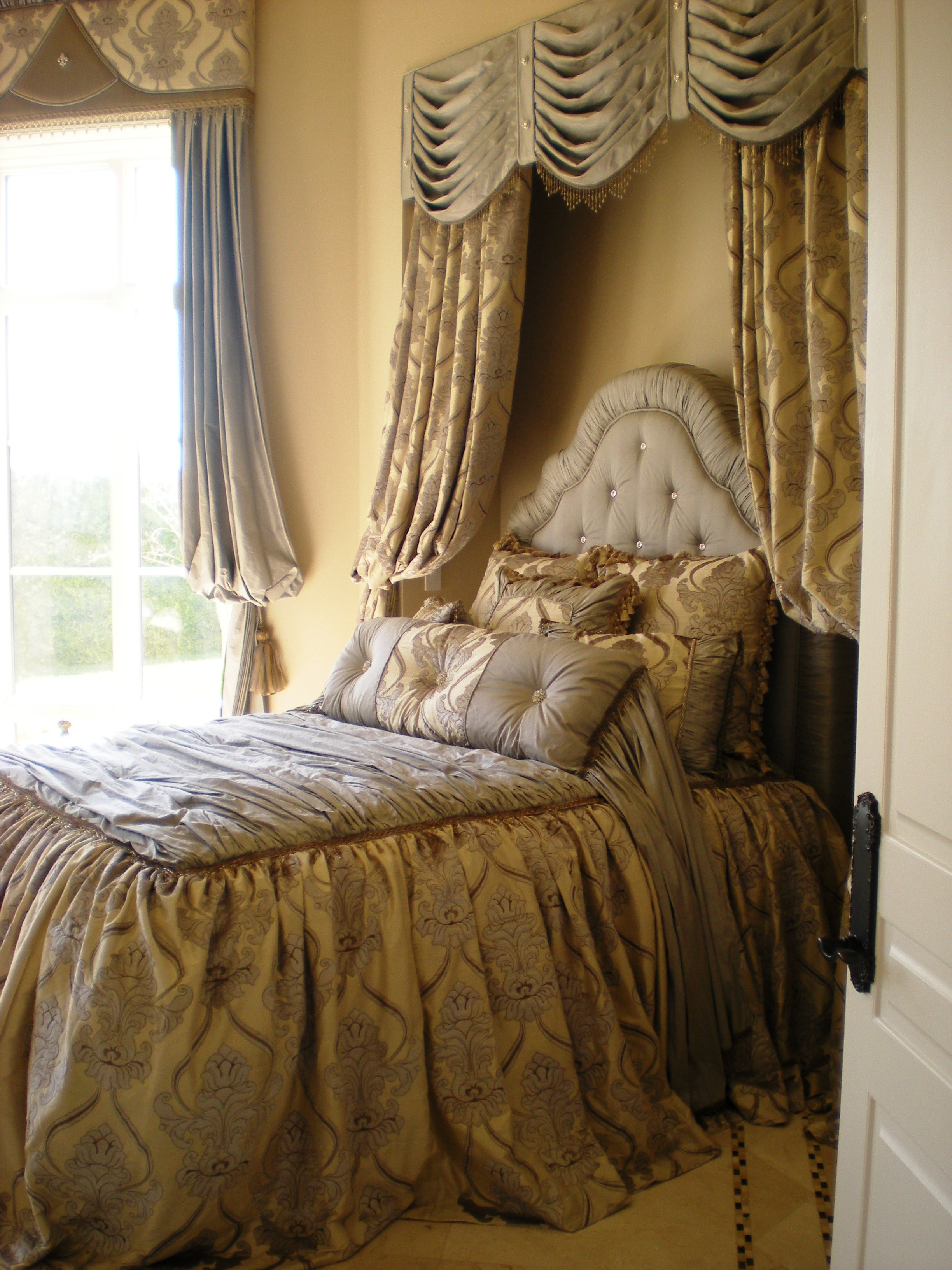 Canali Drapery Studio Custom Design Luxury Bedding and Pillows (11).JPG