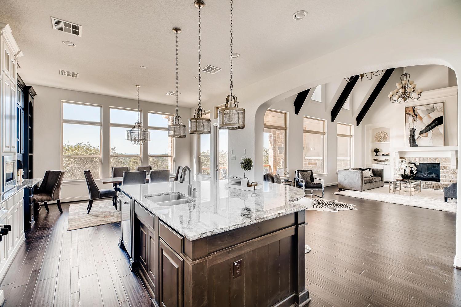7847 Vanity Hill San Antonio-large-012-13-Kitchen-1500x1000-72dpi.jpg