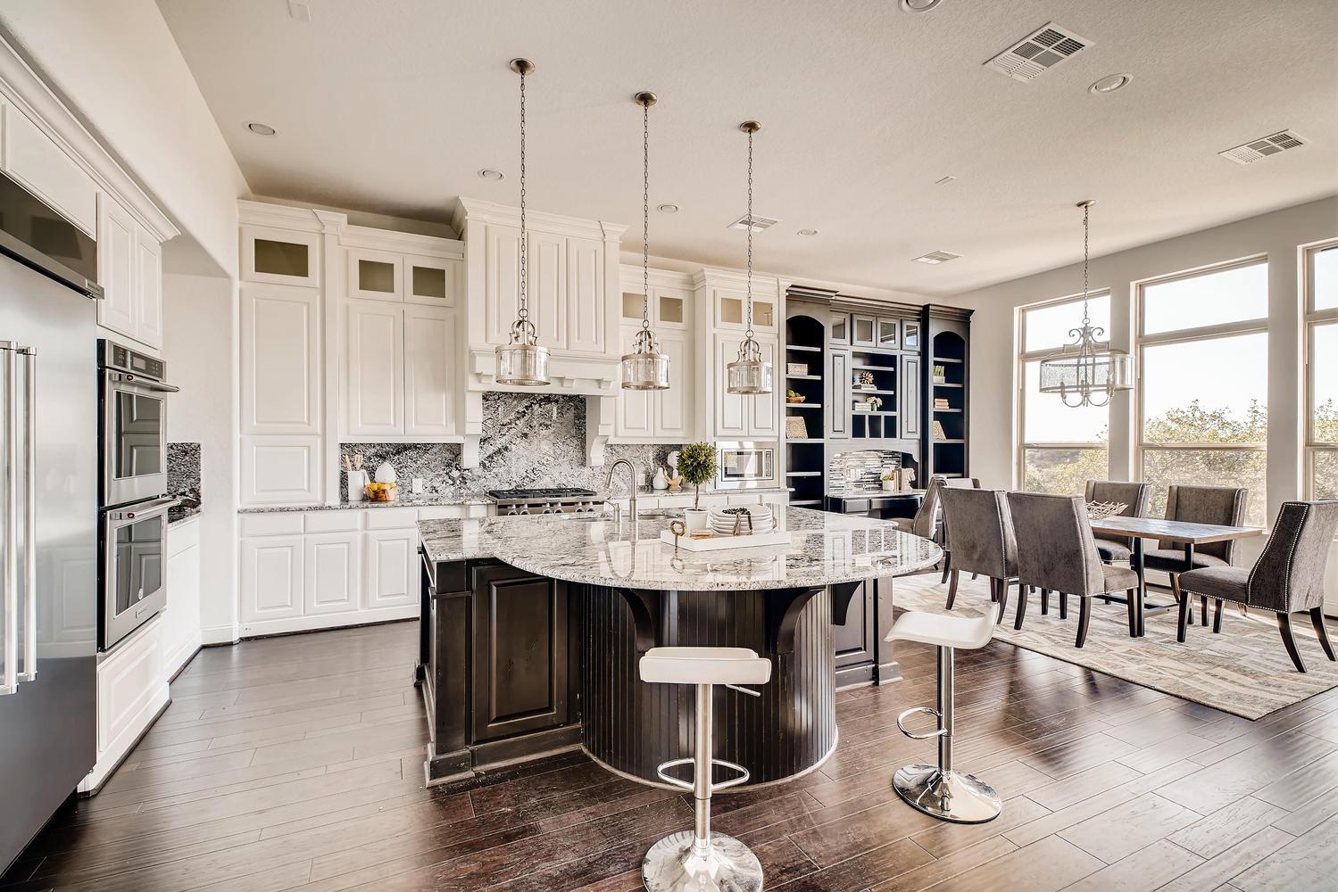 7847 Vanity Hill San Antonio-large-013-11-Kitchen-1500x1000-72dpi.jpg