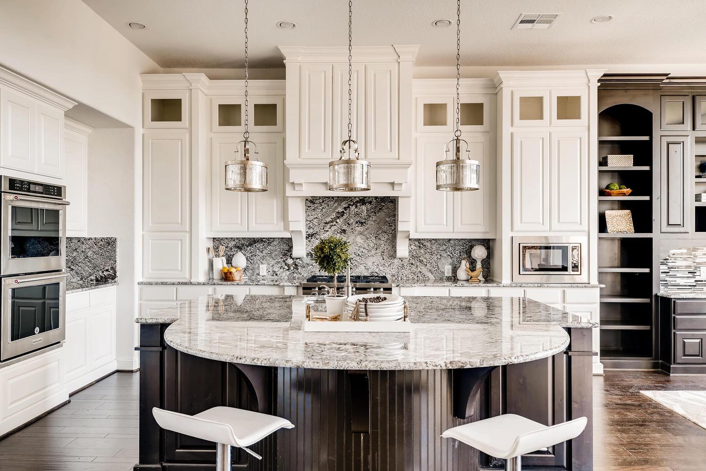 7847 Vanity Hill San Antonio-large-016-26-Kitchen-1500x1000-72dpi.jpg