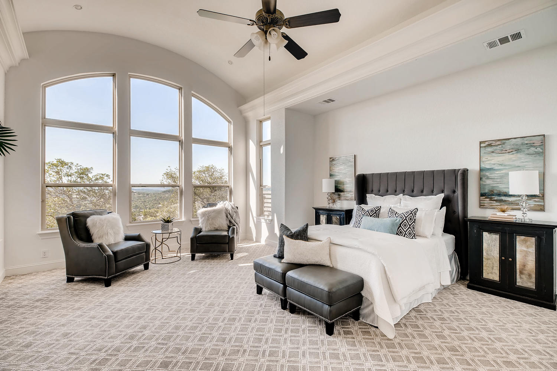 7847 Vanity Hill San Antonio-large-020-14-Master Bedroom-1500x1000-72dpi.jpg