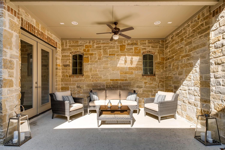 7847 Vanity Hill San Antonio-large-025-18-Courtyard-1500x1000-72dpi.jpg