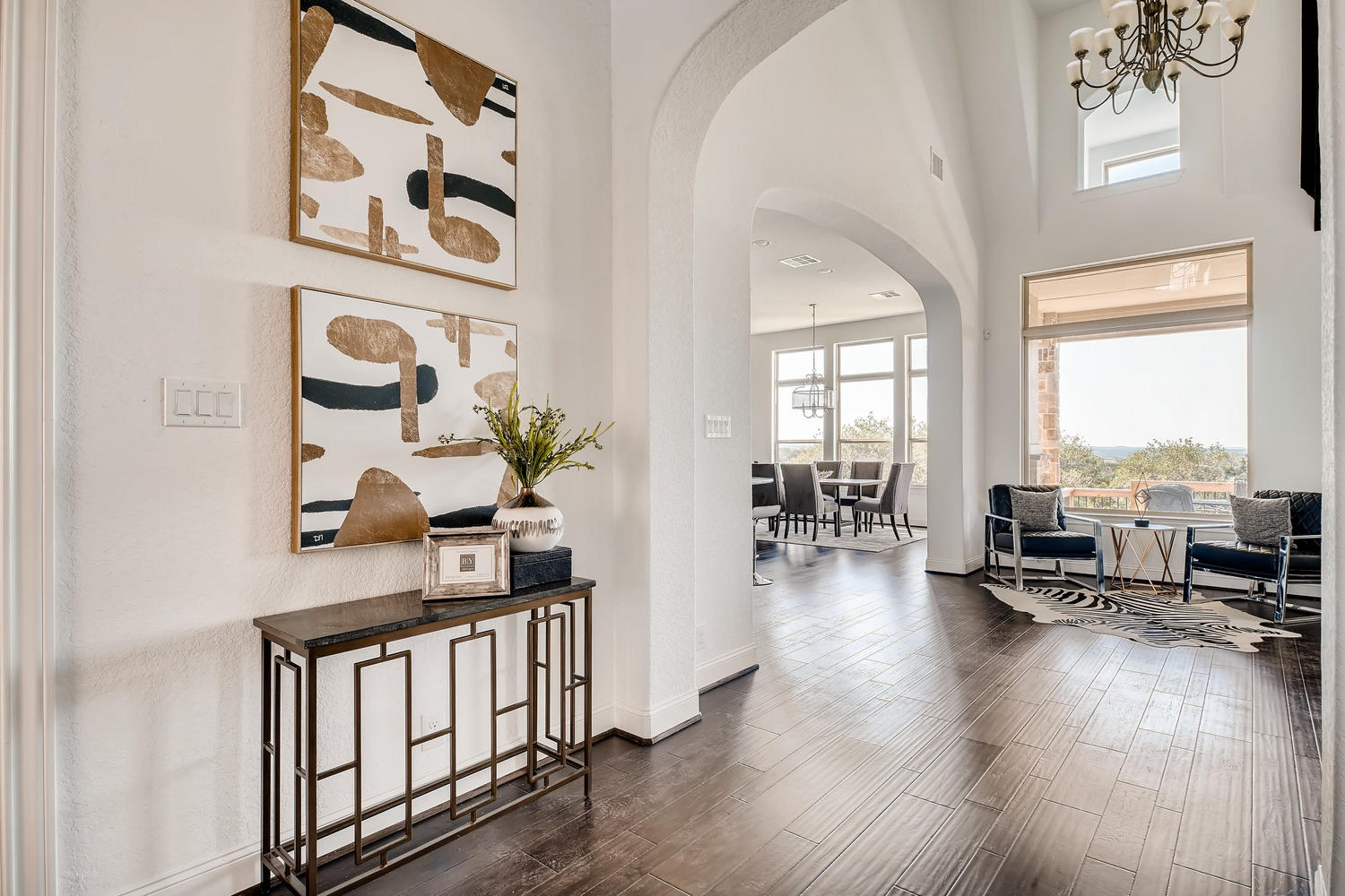 Home Staging and Design by Alejandra Canales in McAllen, Texas and Rio Grande Valley.