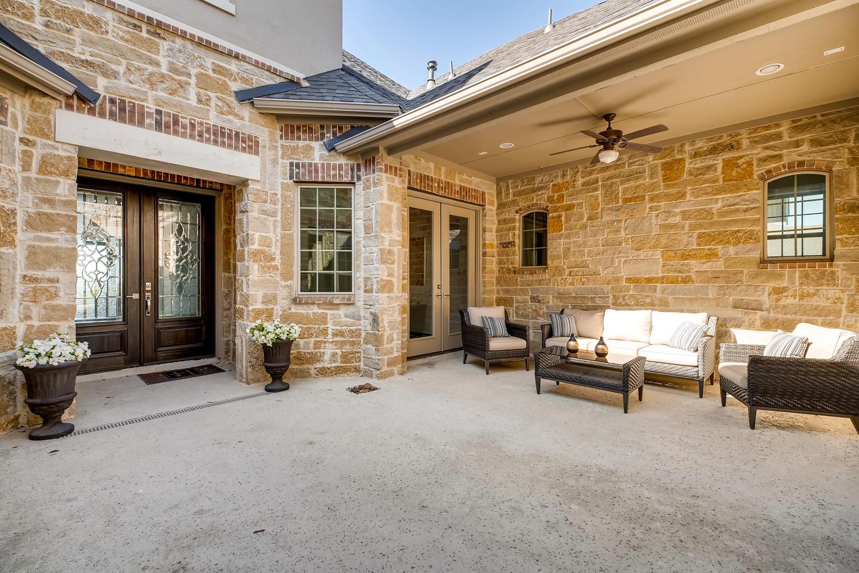 7847 Vanity Hill San Antonio-large-028-20-Courtyard-1500x1000-72dpi.jpg