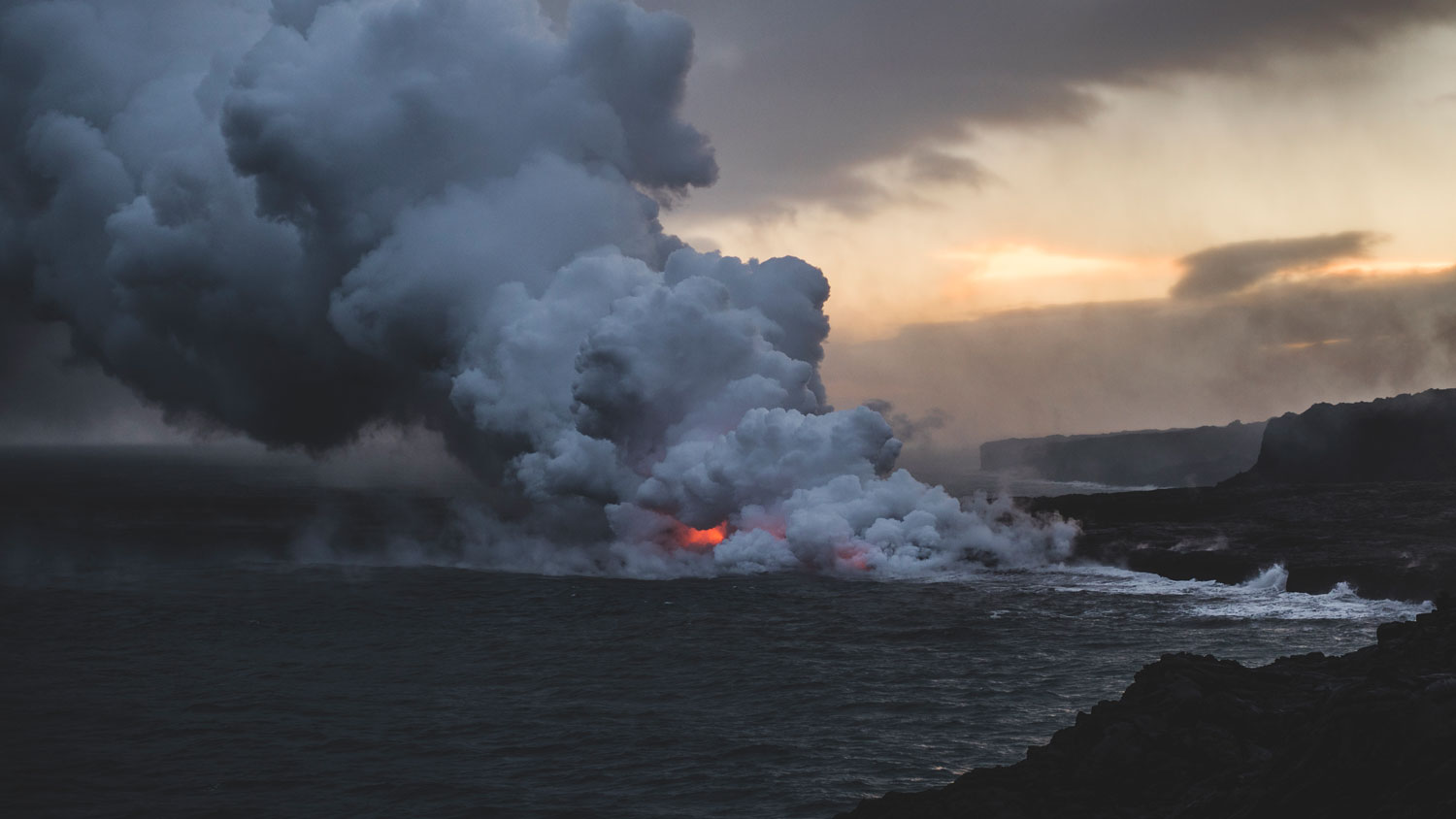 Hawaii Lava Flow entering the ocean.jpg