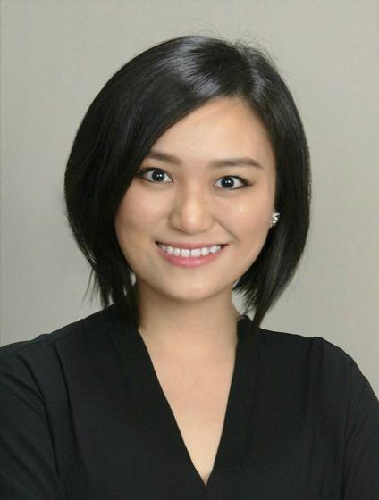 Xian Li - Xian Li现担任SK Global Entertainment的副总裁兼制作人。她与国内外团队合作,负责向世界推广亚洲题材的电影和电视项目。在加入SK Global之前,Li Xian 在二十世纪福克斯国际公司负责亚洲地区的创意开发和制作。在开发和制作方面,Li Xian一直在好莱坞和亚洲的顶级电影中担任电影制片人。此外,Li Xian还曾在二十世纪福克斯国际剧院工作,在2012年至2015年期间,她帮助管理了三十多部电影的国际营销和发行。