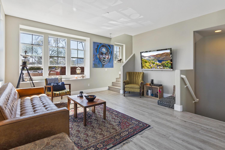 55 Palm Dr-005-21-Living Room-MLS_Size.jpg
