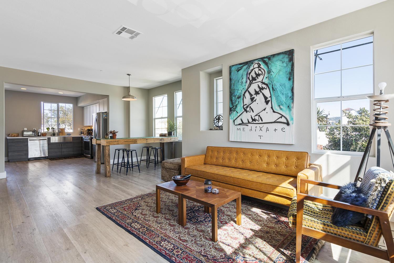 55 Palm Dr-007-17-Living Room-MLS_Size.jpg