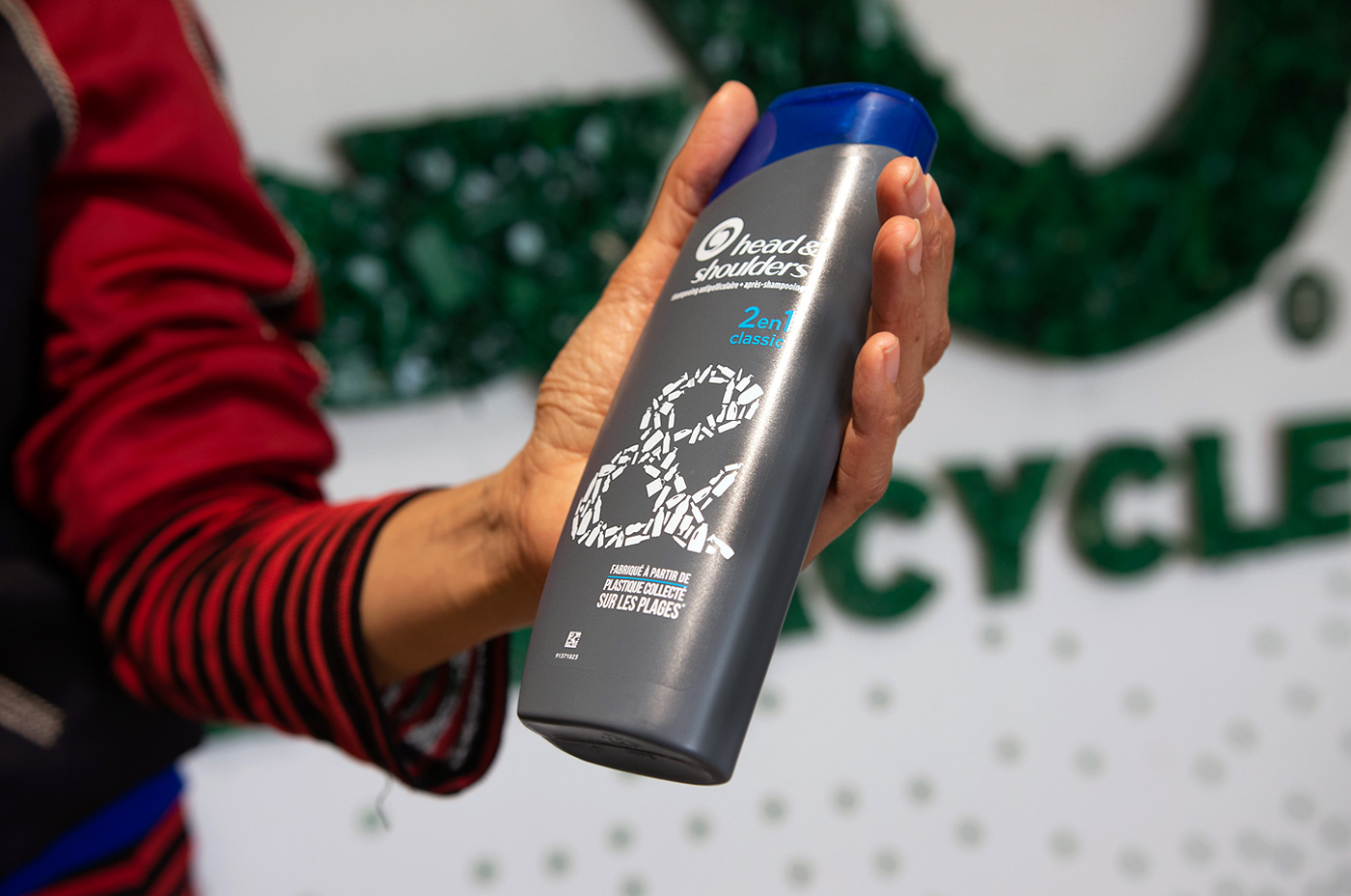 The award-winning TerraCycle Head & Shoulders packaging for the European market made with recycled beach plastic.