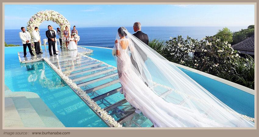 Main-Article-PIC-_-8-Spot-Outdoor-Indah-untuk-menikah-di-Bali.jpg