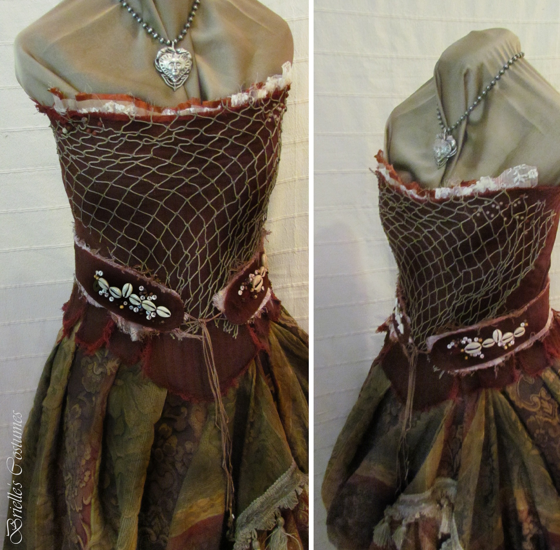 Corset can be made strapless or with straps depending on the customers style.