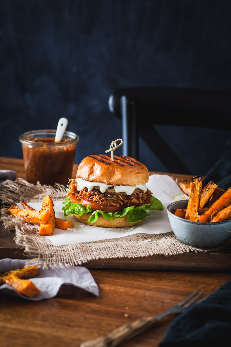 Slow Cooker Chipotle Hawaiian Chicken Burgers | The Whimsical Wife