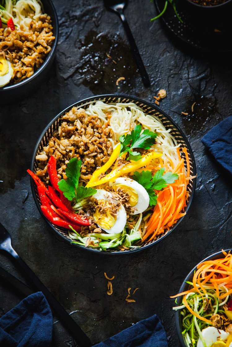 Asian Caramelized Pork Noodle Bowls | The Whimsical Wife