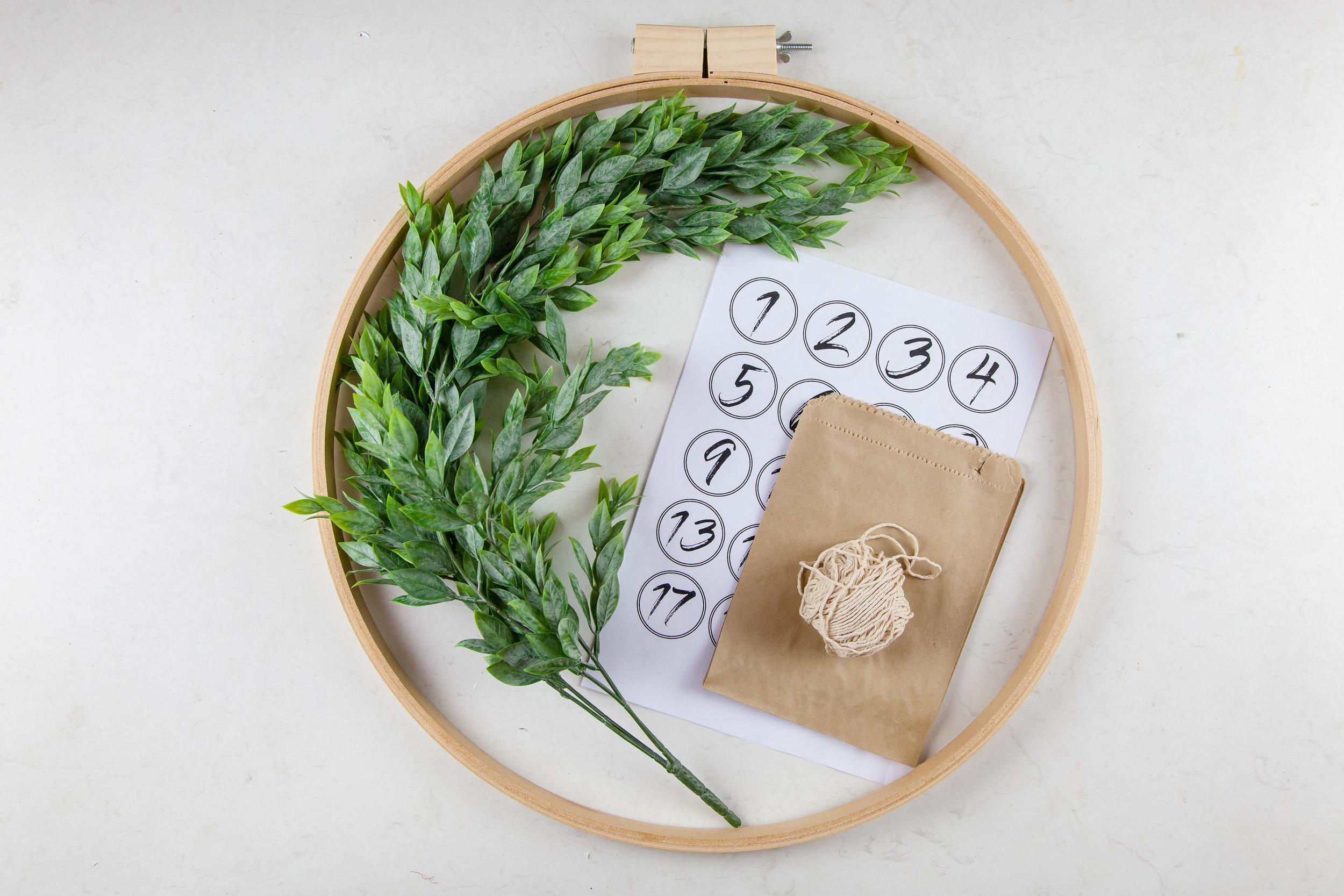 DIY Christmas Advent Wreath | The Whimsical Wife