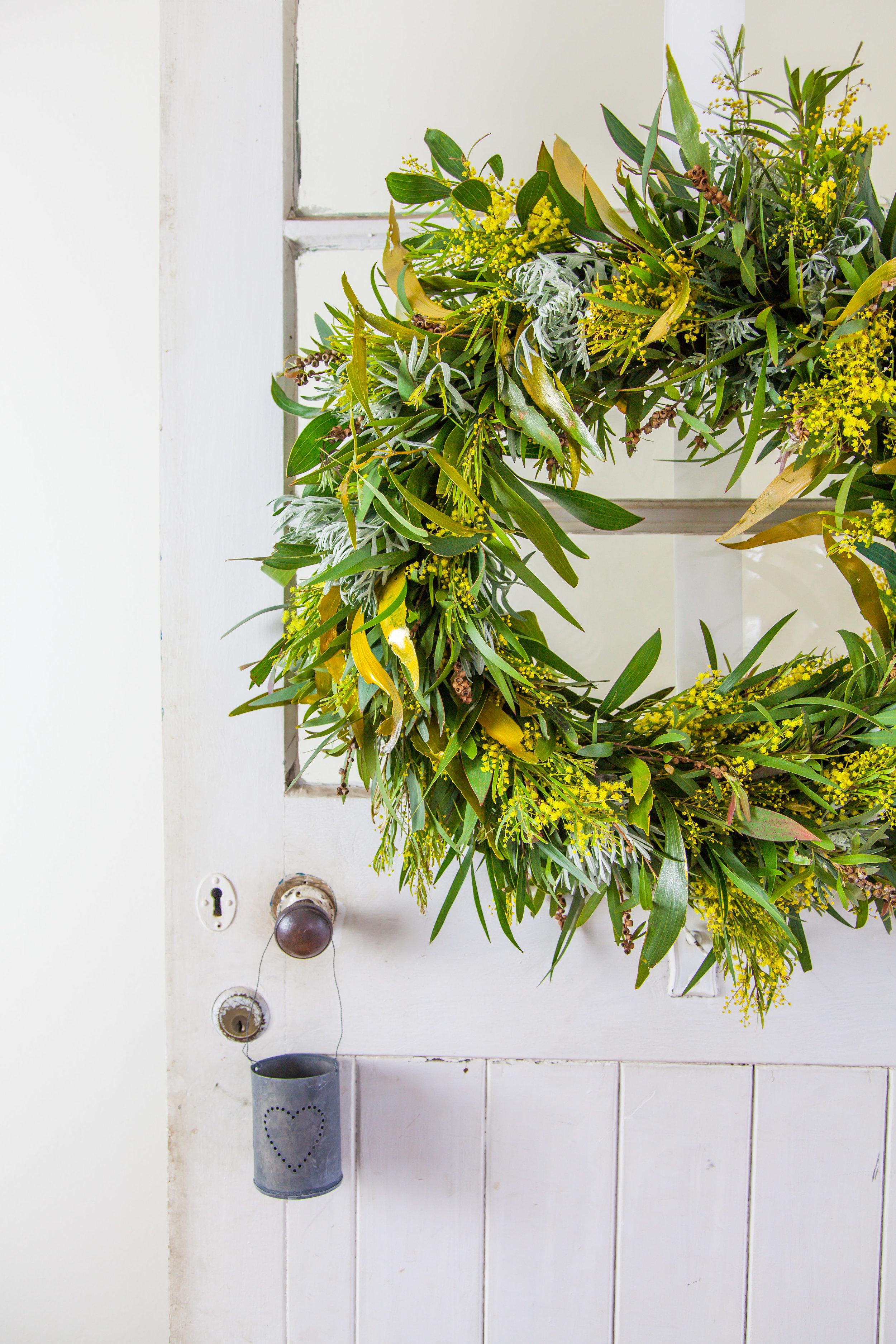 DIY Australian Native Christmas Wreath | The Whimsical Wife