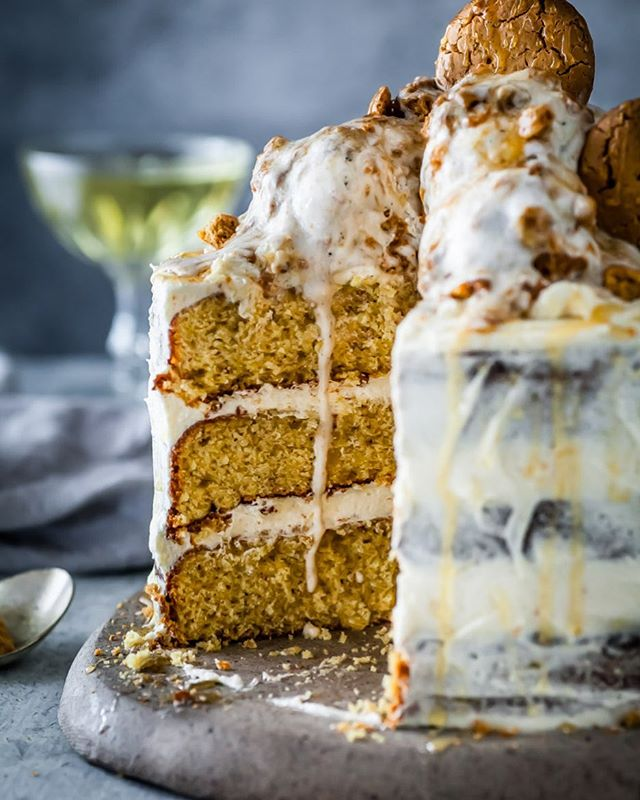 When the ice cream drips just right!!! Pulling this Honey & Ginger Cake with Lemon & Honey Buttercream topped with Icecream recipe from the archives. Gluten & Dairy Free 😍 The perfect celebration cake. Recipe link in profile! . . . . . . #feedfeed #foodflutter #thechalkboardeats #eattheworld #lifeandthyme #ofsimplethings #momentsofmine #mywhiteco #beautifulcuisines #betterhomesandgarden #sundaystylelove #taste #tastingtable #gatheredstyle #bloglovingfood #tastespotting #buzzfeast #morningslikethese #realsimple #veganeats #feedfeedchocolate #chasinglight #leftovermakeover #nomoreeggs #veganrecipes #springeats #veganeats #springbaking