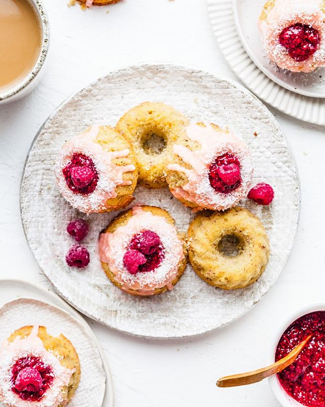 When berries are in abundance it's time to make my Mini Iced Vovo Bundt Cakes. Little moreish mouthfuls of soft and tender crumbed cake drizzled with a soft pink icing and topped with homemade raspberry filling. {Gluten & Dairy Free} These little cakes are on my to make list again because they are so darn good. Recipe link in profile ☝🏻 . . . . . . . #feedfeed #foodflutter #thechalkboardeats #eattheworld #lifeandthyme #ofsimplethings #momentsofmine #mywhiteco #beautifulcuisines #betterhomesandgarden #sundaystylelove #taste #tastingtable #gatheredstyle #bloglovingfood #tastespotting #buzzfeast #morningslikethese #realsimple #veganeats #feedfeedchocolate #chasinglight #leftovermakeover #nomoreeggs #veganrecipes #springeats #veganeats #springbaking