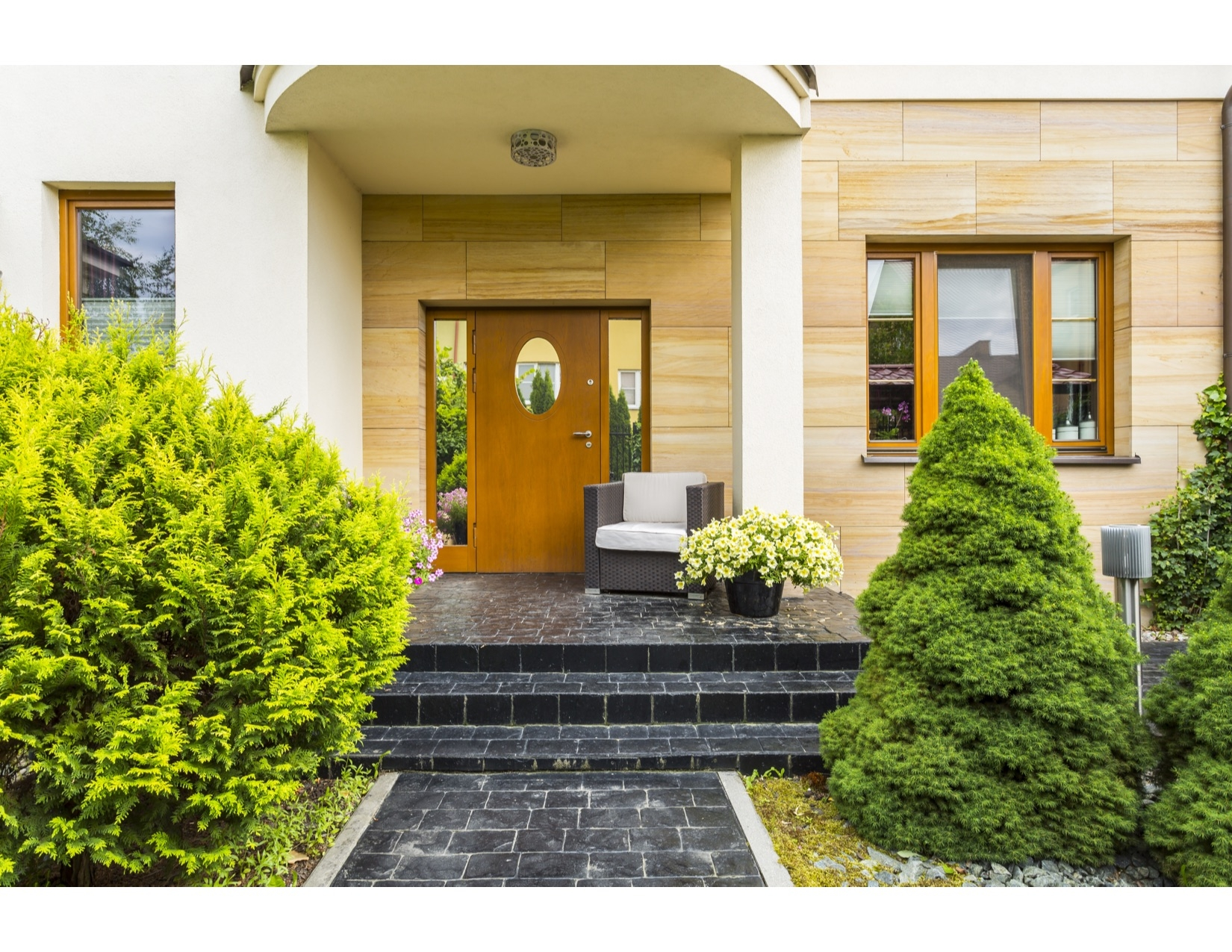 stylish-entrance-to-the-modern-house-P3QDFBU.jpg