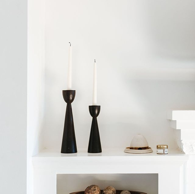 2 things I never say no to:⁣ 1. Cool, sculptural candlesticks ⁣ 2. Unique ceramics⁣ ⁣ Whether they're for myself or to place in a client's home, having too many is never a bad thing. ⁣ ⁣ #MyDecorotation | Photography by @margaretaustin_photo