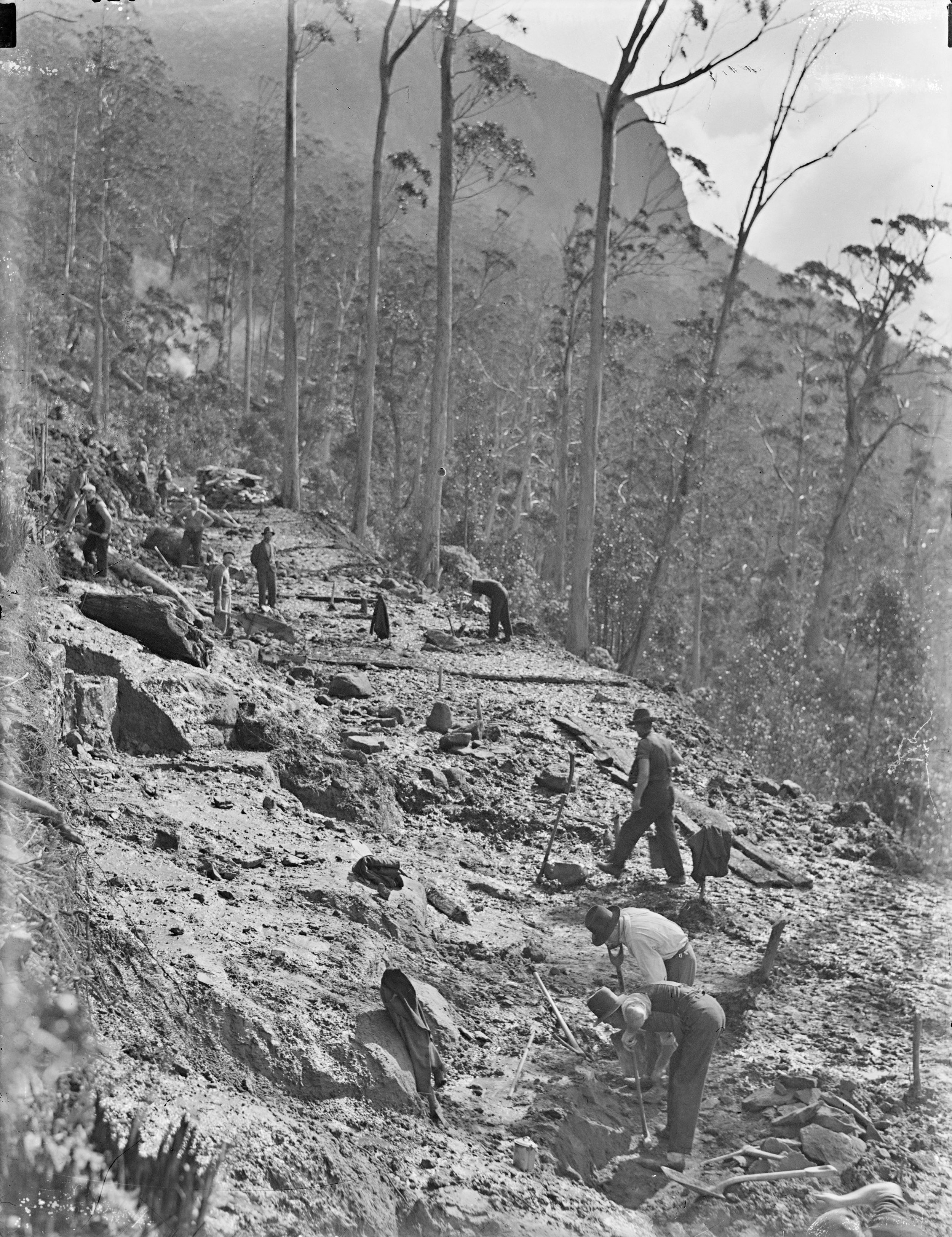 Construction of the roadway to the Pinnacle c1930