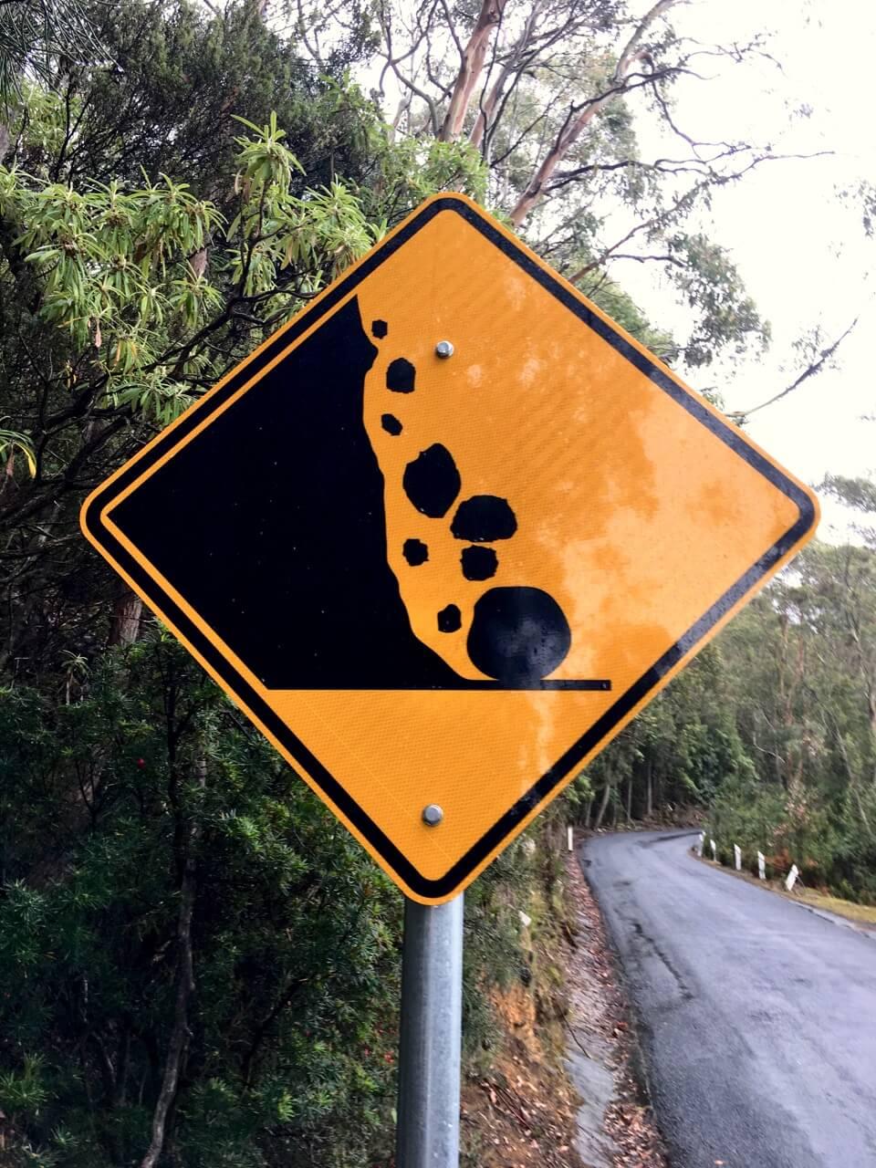 landslip–warning–sign–kunanyi.jpg