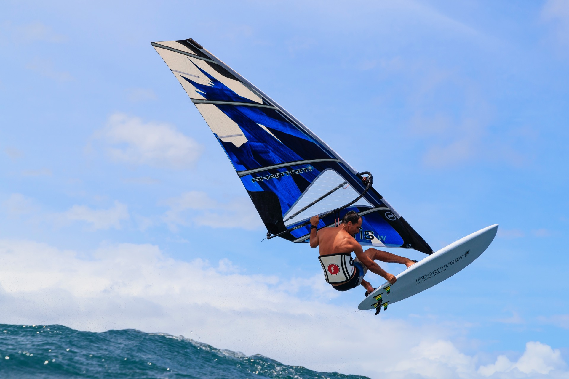 January 2018 - Launch of PHANTOM WINDSURFING sails