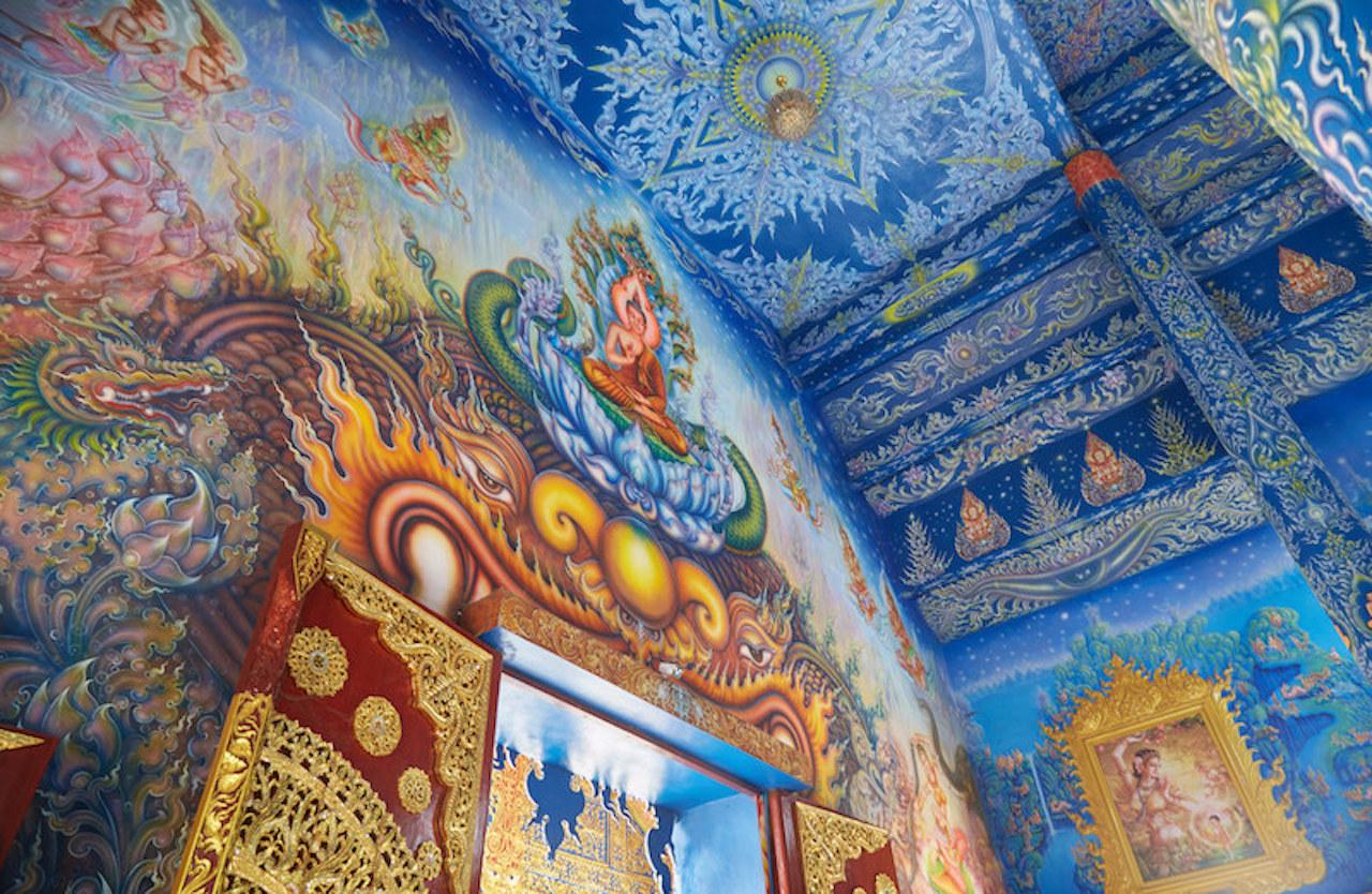 Blue-Temple-Chiang-Rai-Entrance-Paint-copy.jpg