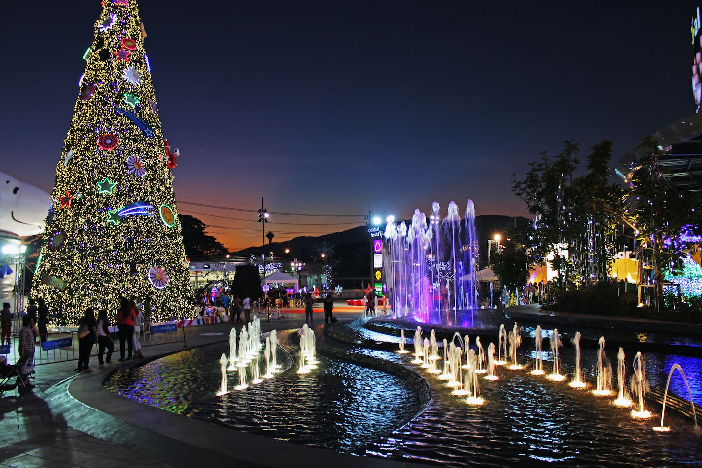 entrance-to-the-centralfestival-mall-in-chiang-mai.jpg
