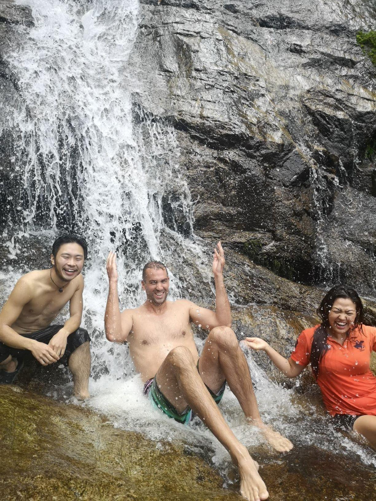 Mae Kampong Waterfall3.jpg