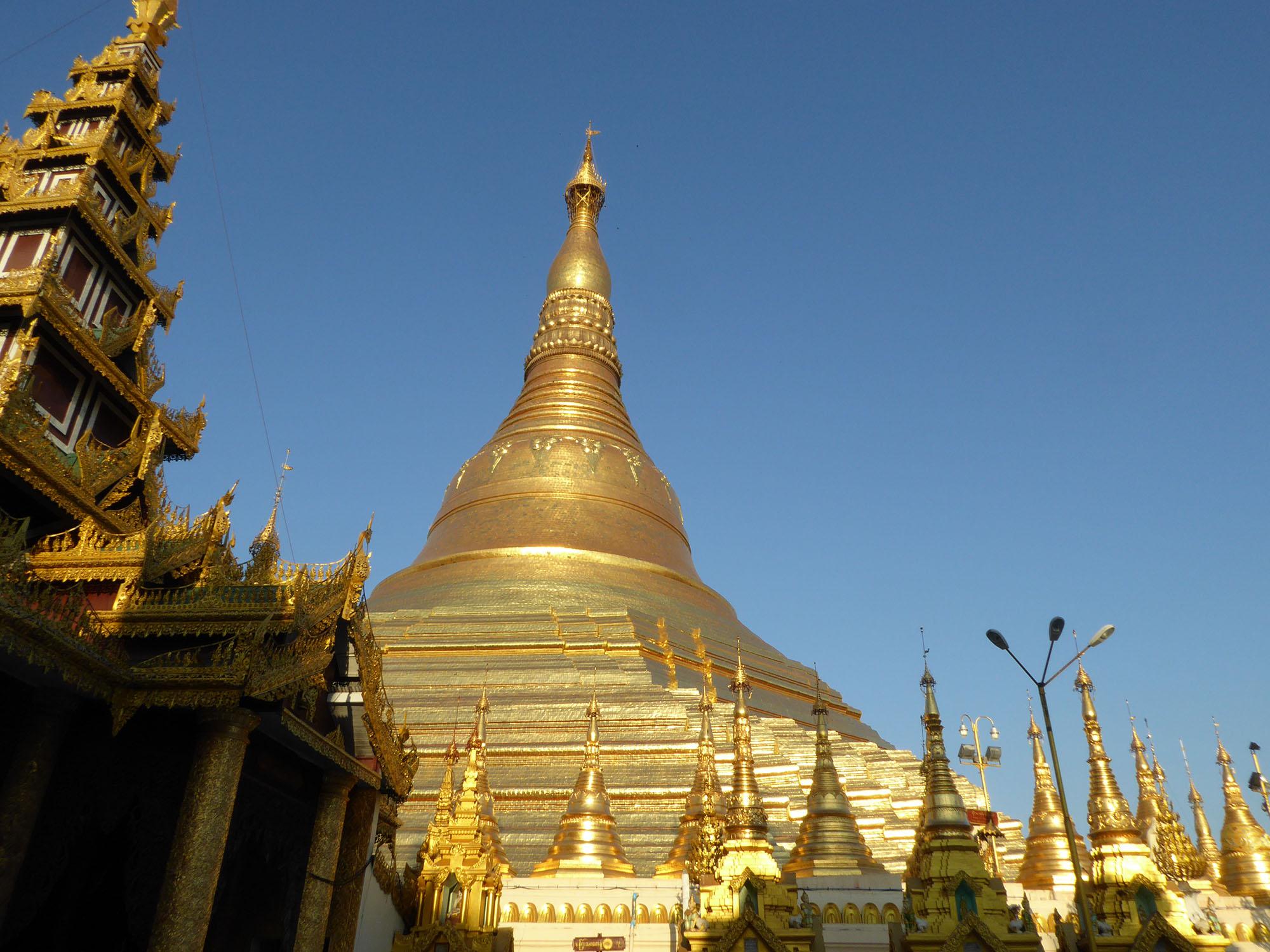 YangonGoldSpire_SMALL.jpg