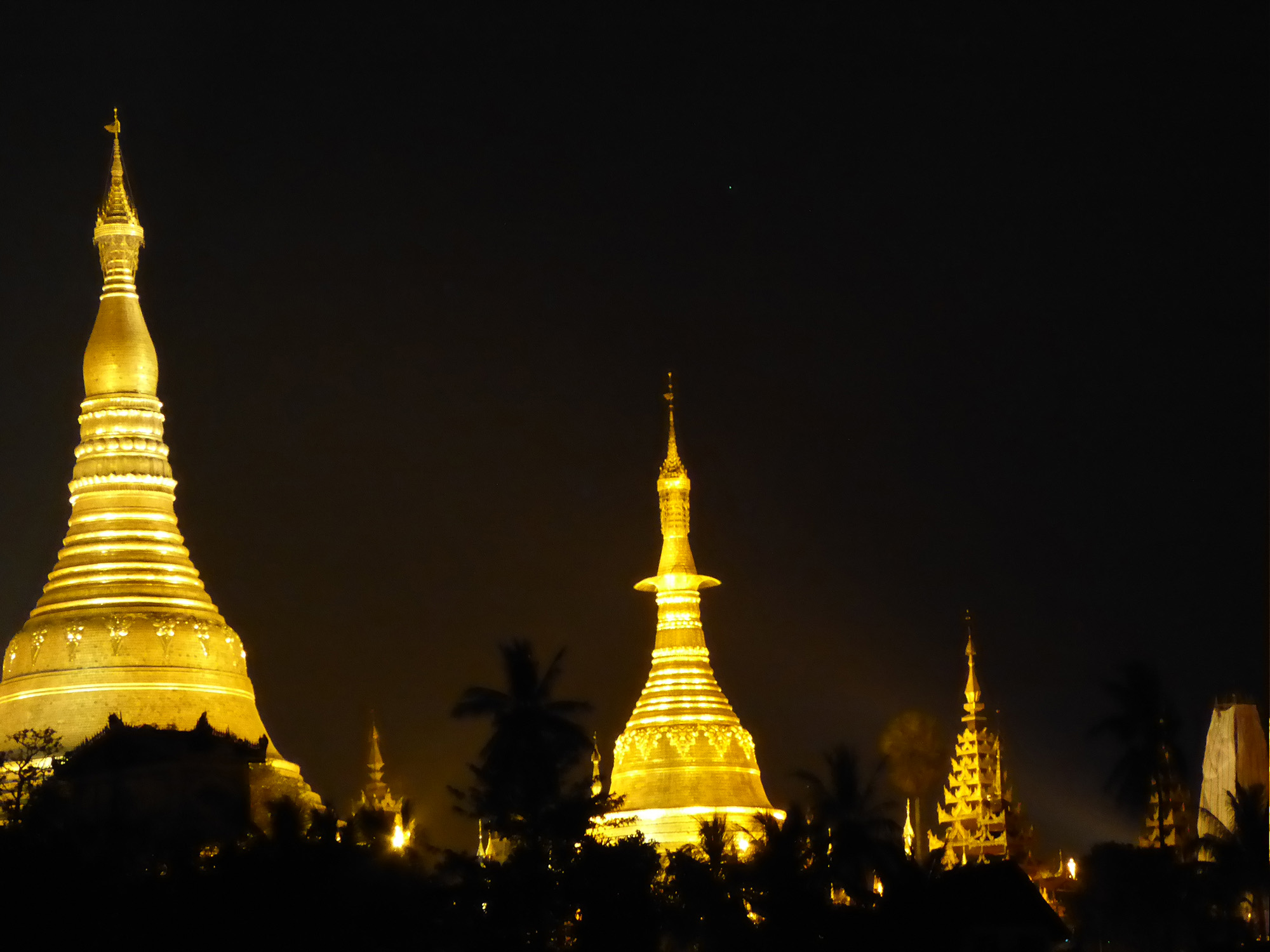 YangonNight_SMALL.jpg